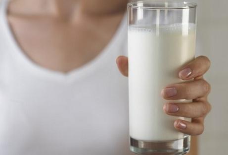 Sữa nóng cực tốt cho mẹ