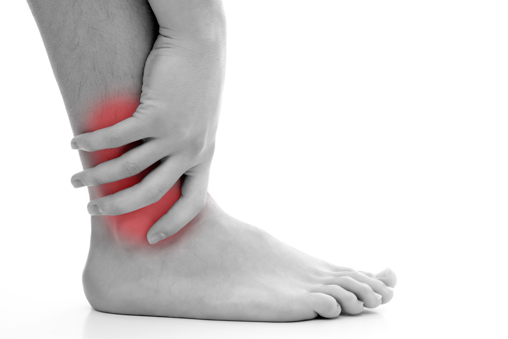 Giảm đau khớp cổ chân với máy massage chân