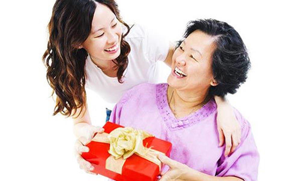 Những món quà ý nghĩa tặng cha mẹ