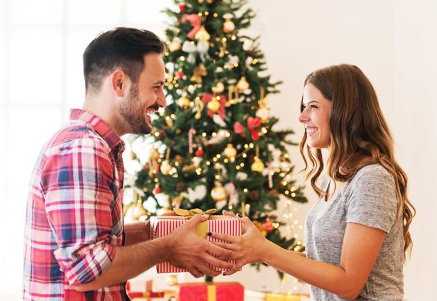 Quà giáng sinh tặng chồng thiết thực và ý nghĩa nhất